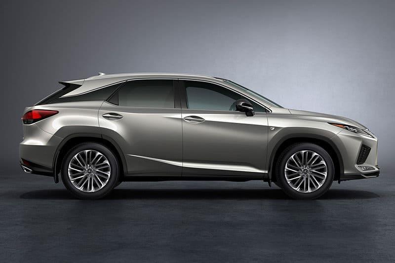 Новый Lexus RX 2021 сбоку