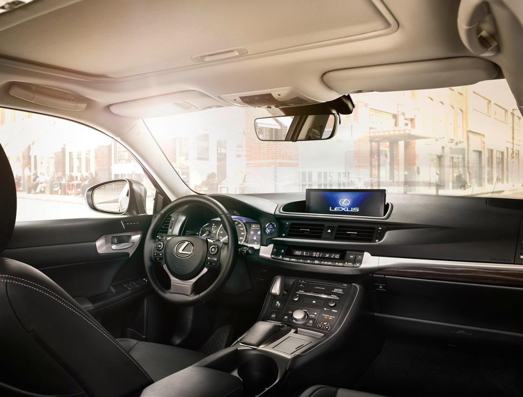 салон Lexus NX 2018