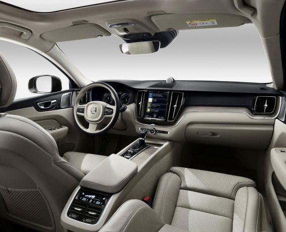 салон Volvo XC60 2018