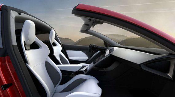 салон нового Tesla Roadster 2020
