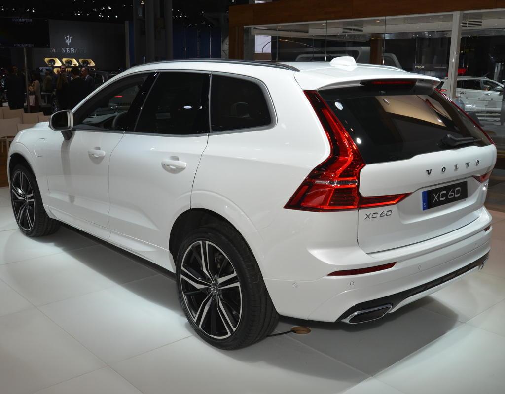 задние фонари Volvo XC60 2021 в России