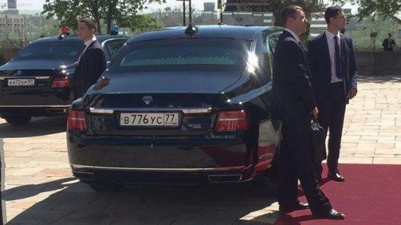 Задняя часть лимузина президента ЕМП-41231SB Aurus