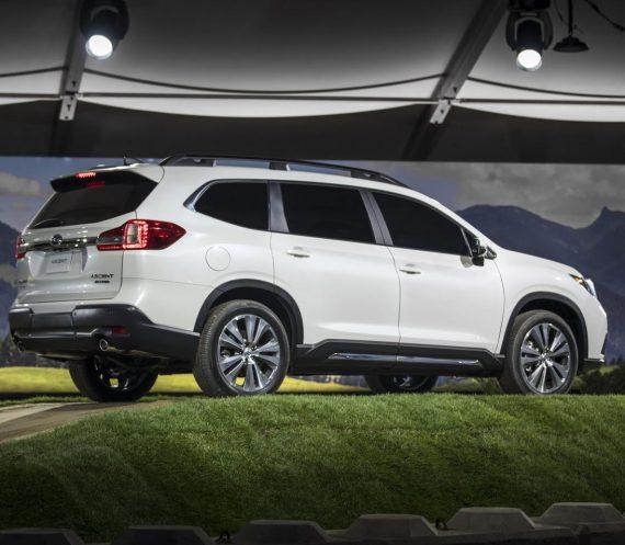 задняя часть Subaru Ascent 2018 — 2019