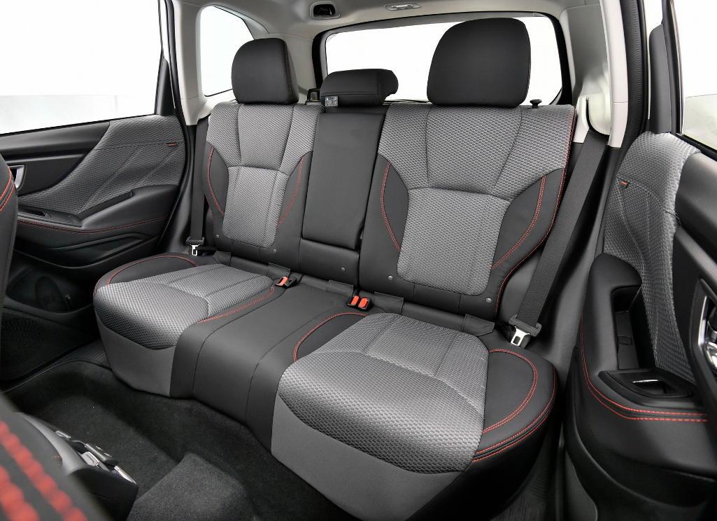 интерьер Subaru Forester 2021