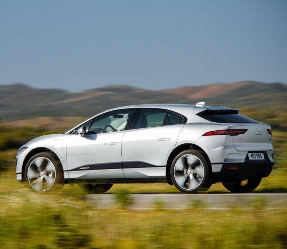 новый Jaguar I-Pace сбоку фото