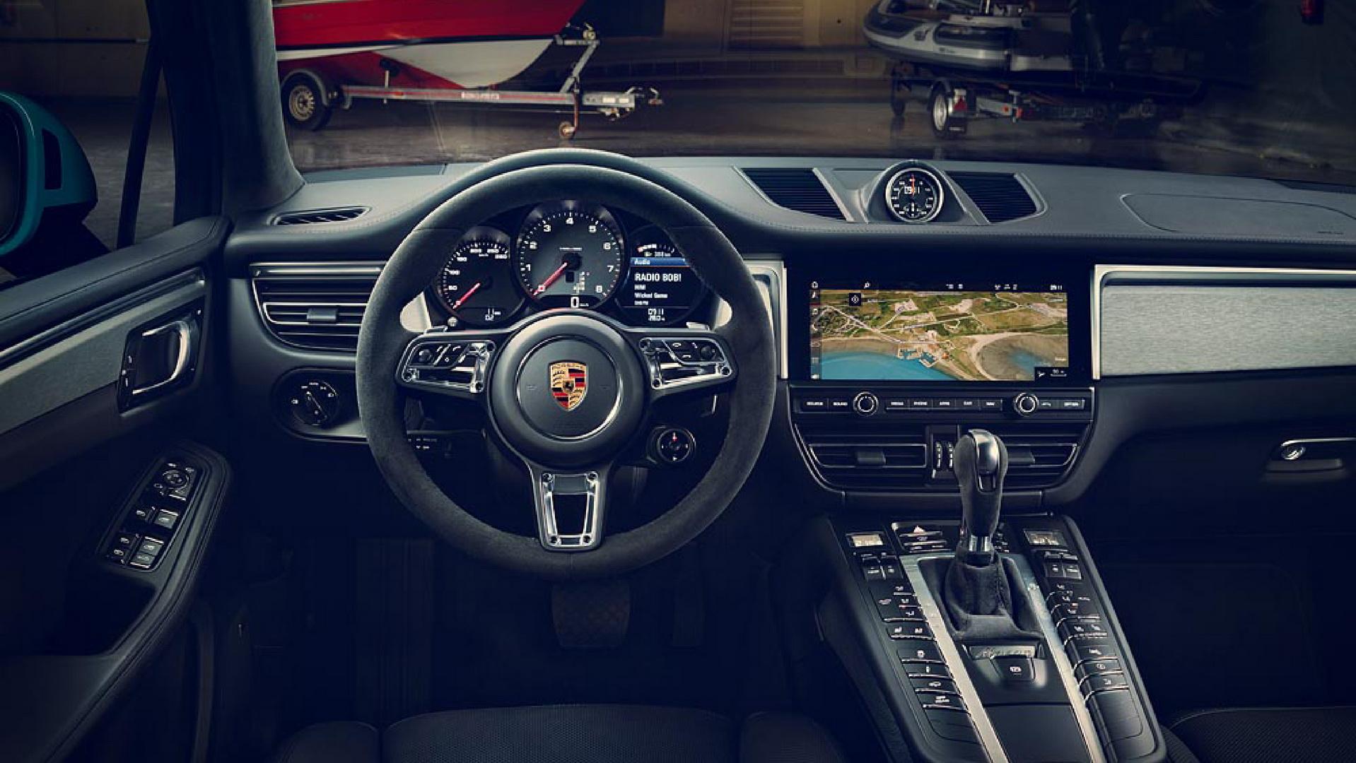 салон Porsche Macan 2021 года