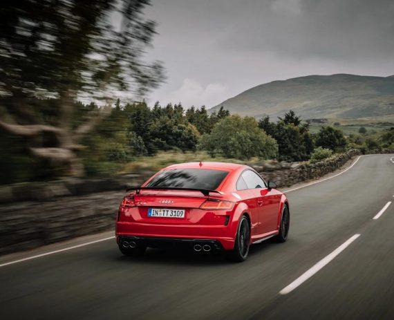 задние фонари Audi TTS 2019 года