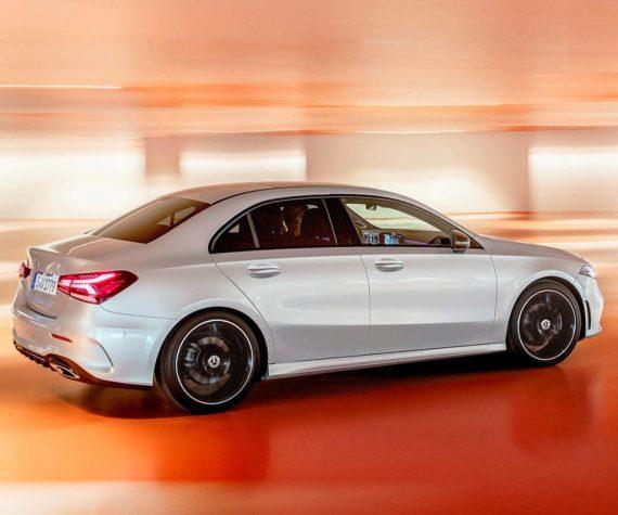 задняя часть Mercedes-Benz A-Class 2019