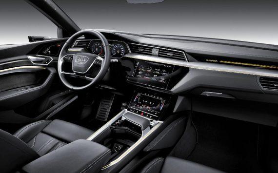 салон Audi E-tron фото