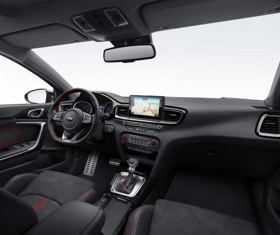 салон Kia Ceed GT 2019