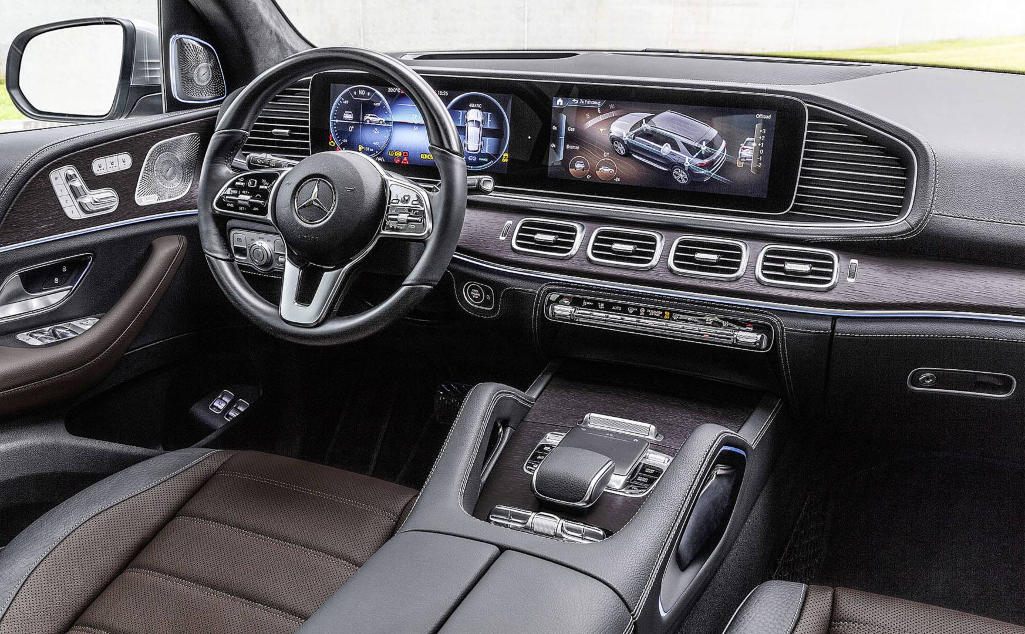 салон Mercedes-Benz GLE 2021