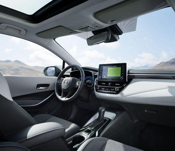 салон Toyota Corolla Touring Sports 2019