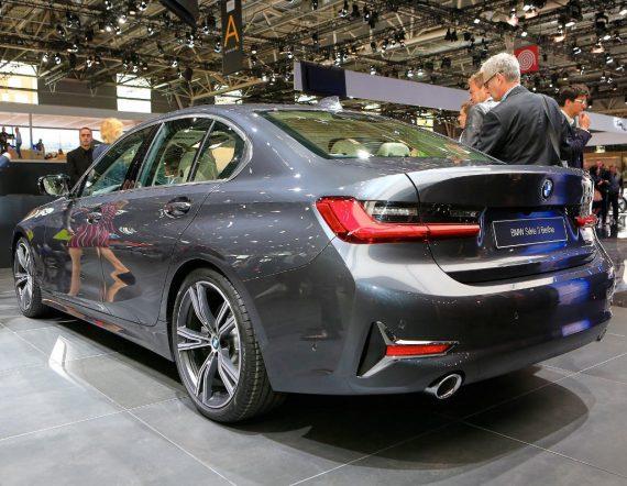 BMW 3-Series 2021 задняя часть