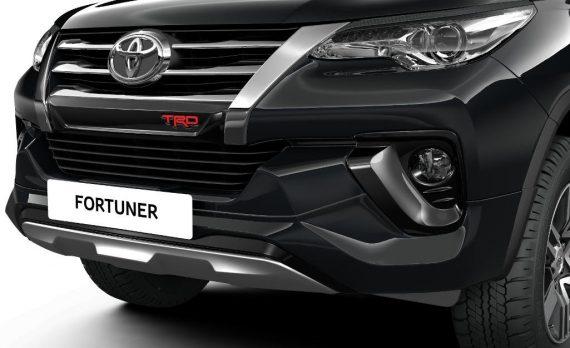 Обвес Тойота Фортунер 2018 фото