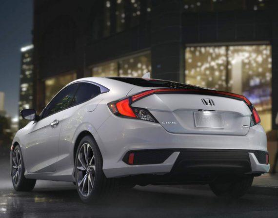 новое купе Honda Civic 2019 задняя часть
