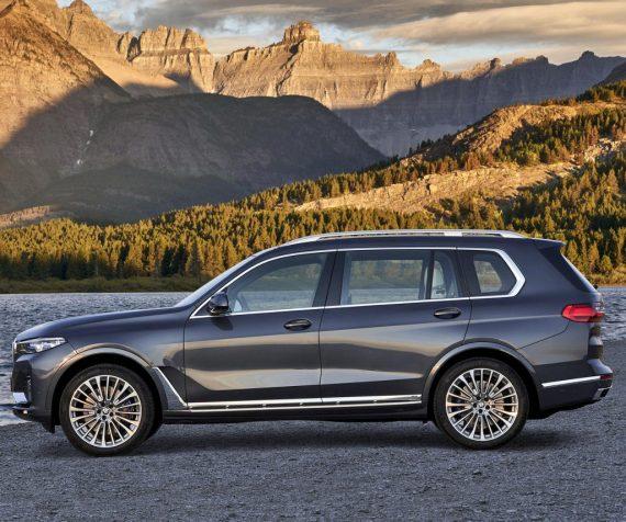 новый BMW X7 2019 сбоку