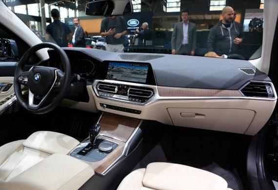 салон BMW 3-Series 2021 фото