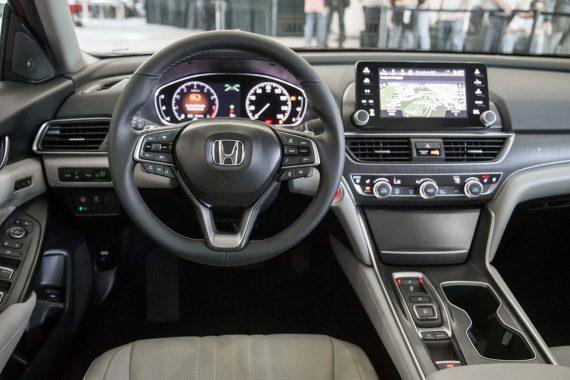 салон Хонда Инспаер 2019