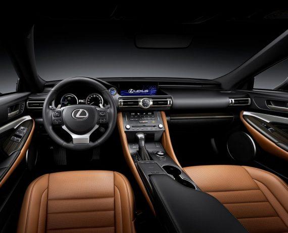 фото салона Lexus RC 2019 года