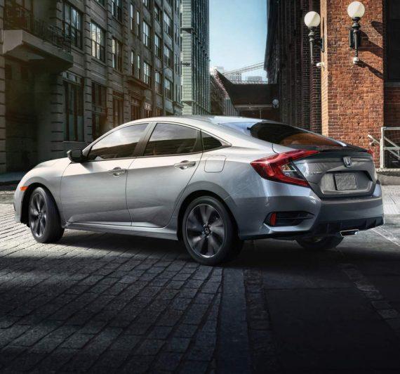 задняя часть седана Honda Civic 2019