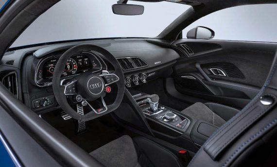 салон Audi R8 2019 года