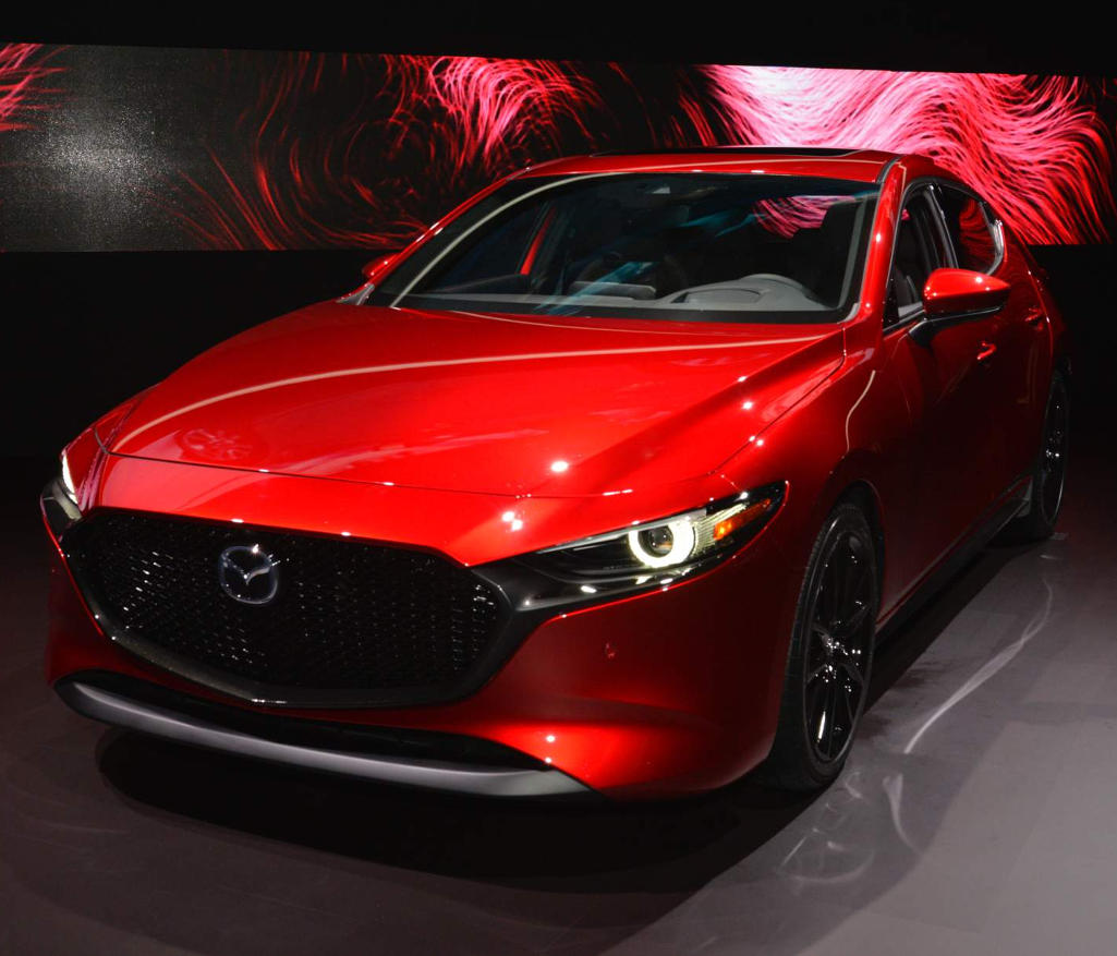 Новая Mazda 3 2019: цена, фото, комплектации и характеристики, старт продаж в России рекомендации