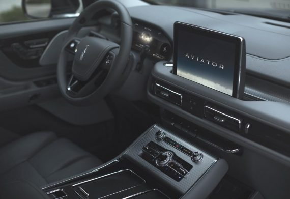 салон Lincoln Aviator 2019