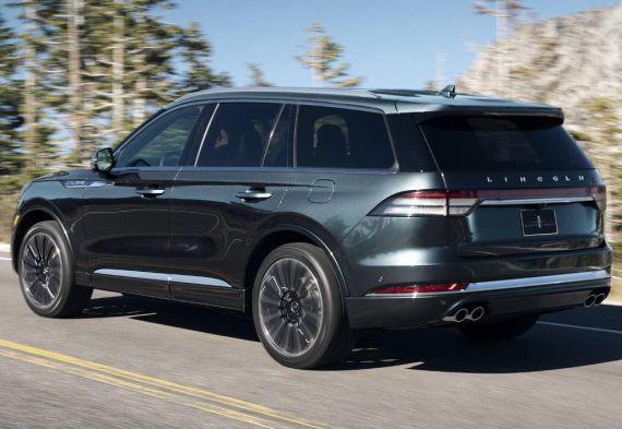 задняя часть Lincoln Aviator 2019