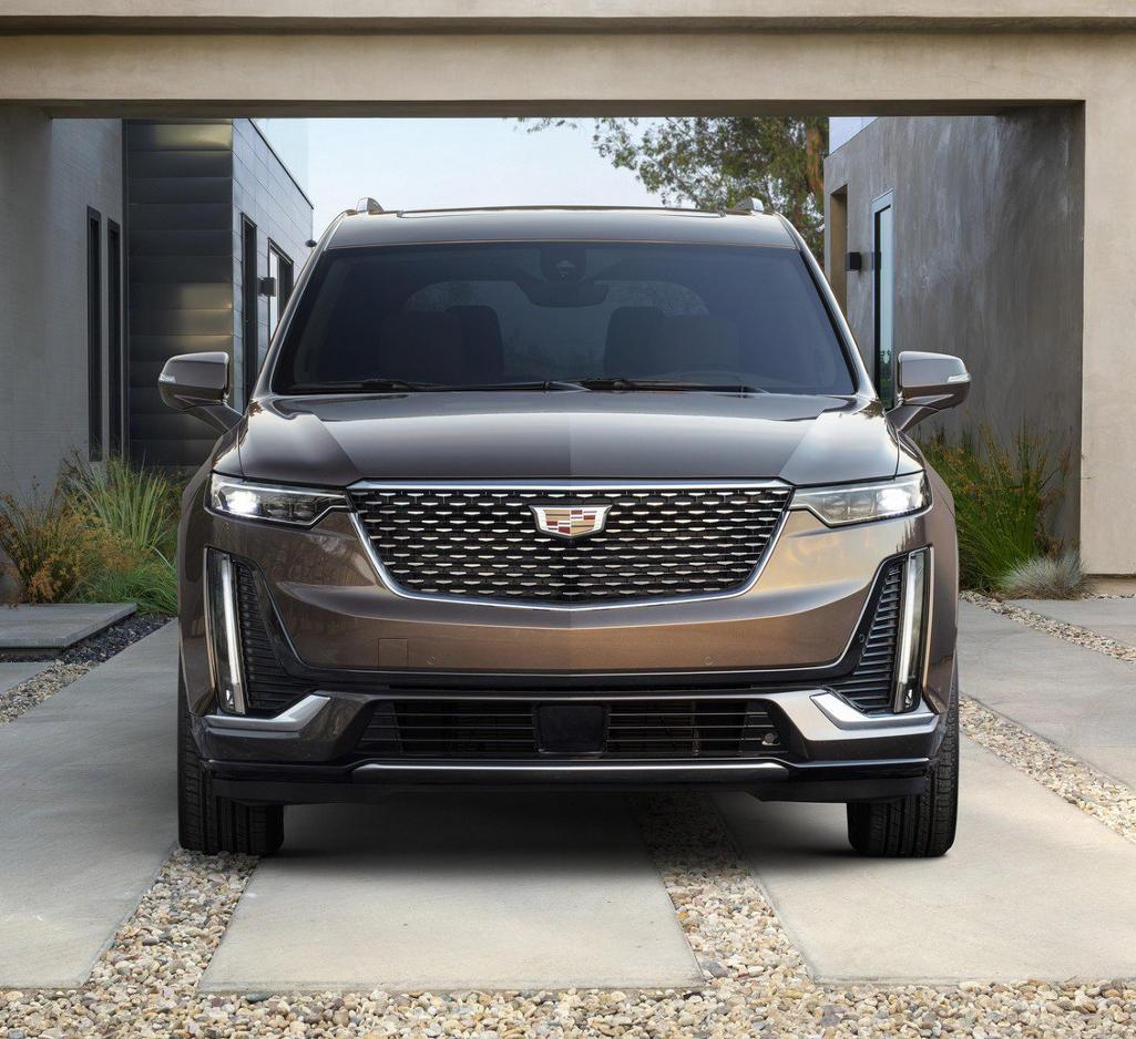 фары, решетка, бампер Cadillac XT6 2020