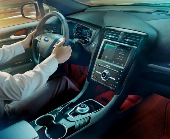 салон Ford Mondeo 2019 года