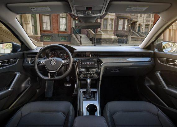 салон Volkswagen Passat 2020 фото
