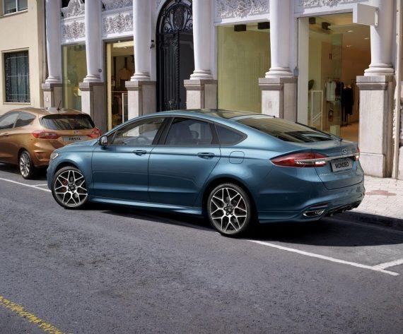 задние фонари Ford Mondeo 2019 - 2020 года