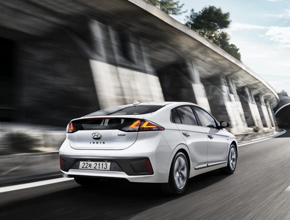задняя часть Hyundai Ioniq 2019 – 2020