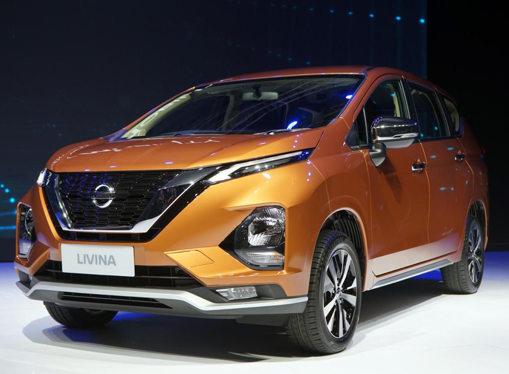 Nissan Livina фото