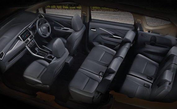 интерьер Nissan Livina