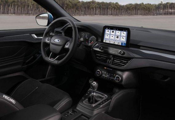 салон Ford Focus ST 2019 – 2020