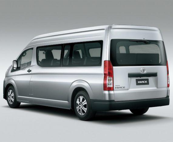 задняя часть Toyota Hiace 2019 – 2020