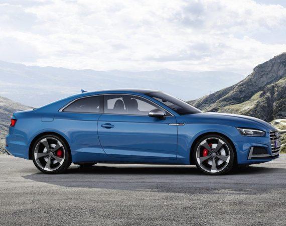 Купе Audi S5 TDI 2020 сбоку