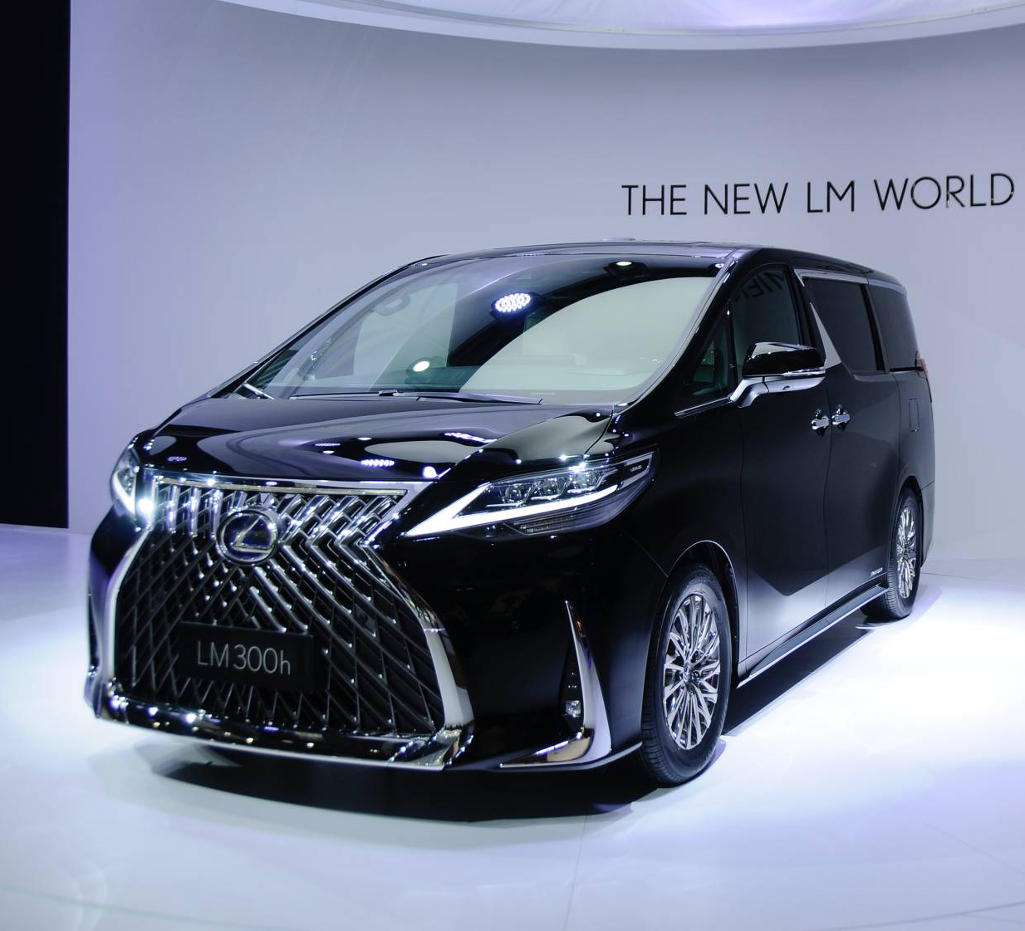 Lexus LM фото
