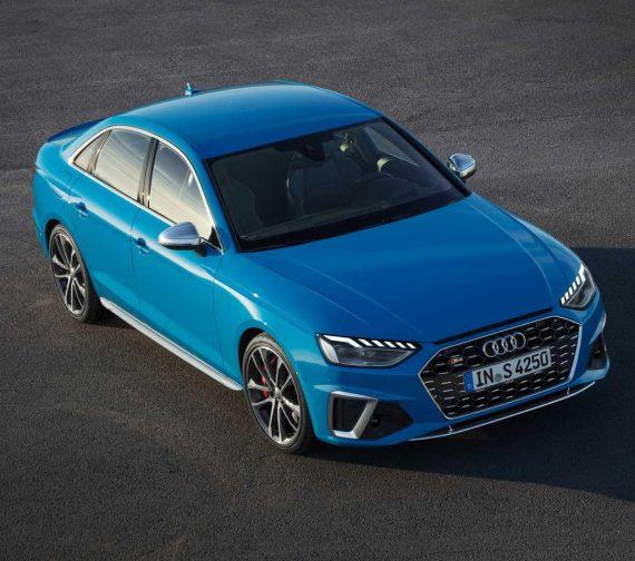 фото заряженного седана Audi S4 2020