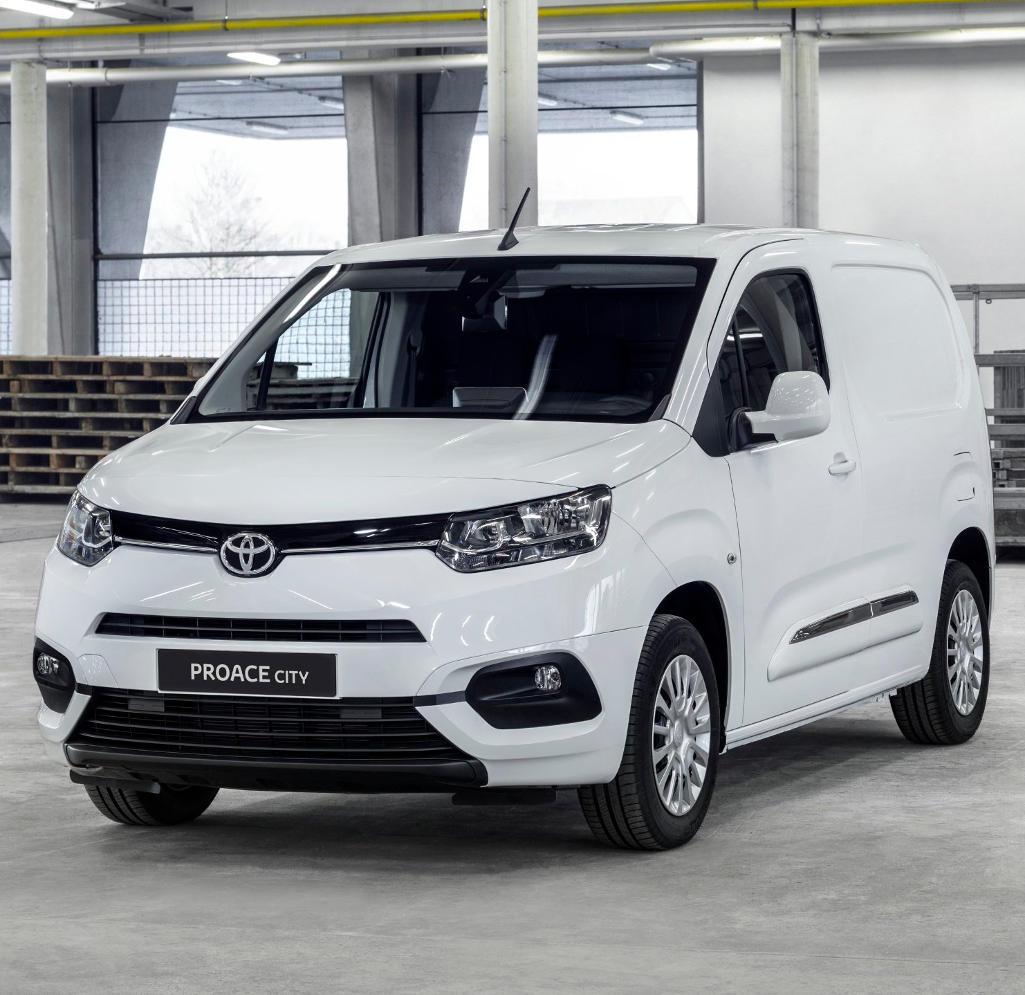 Фургон Toyota ProAce City 2020 (фото, цена, технические характеристики)
