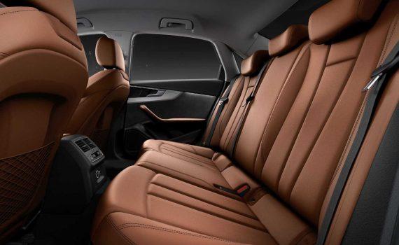 интерьер Audi A4 2020 года