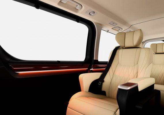 интерьер Toyota Granvia 2020