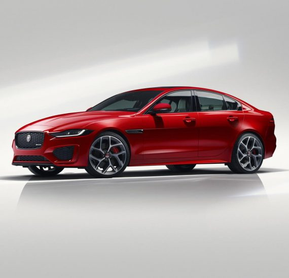 Jaguar XE 2019 – 2020 сбоку
