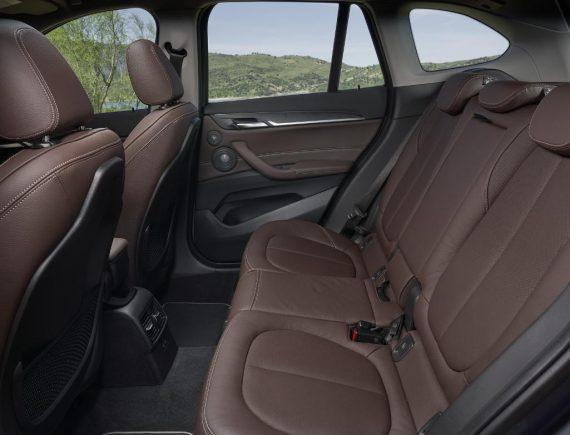 интерьер BMW X1 2020 года