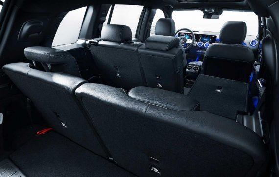 интерьер Mercedes GLB 2020