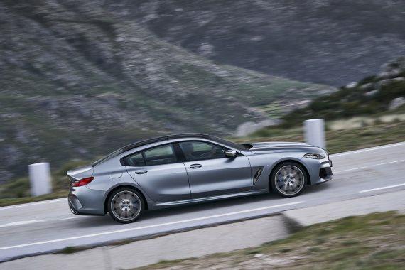 новый BMW 8 Series Gran Coupe 2021 сбоку