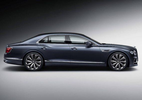 новый Bentley Flying Spur 2020 сбоку
