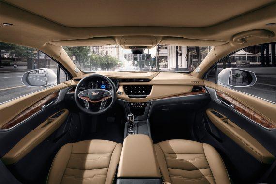 салон Cadillac XT5 2020