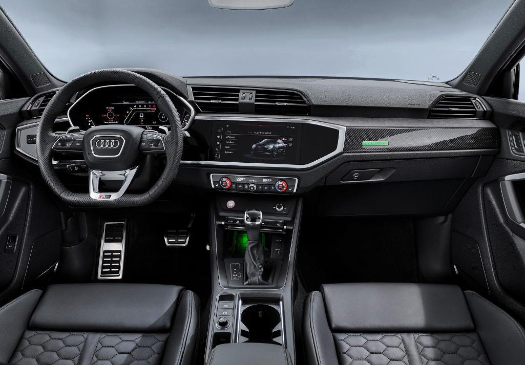 салон Audi RS Q3 2020 фото